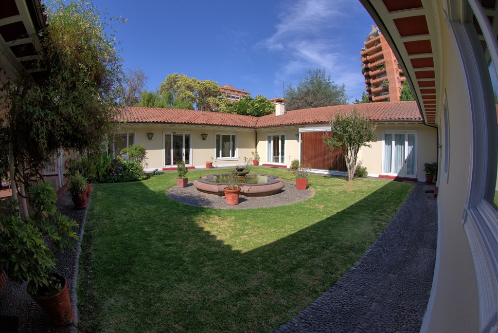 inner garden at ESO's guest house